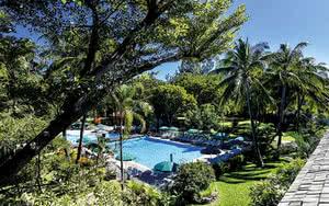 COMBINÉ 2 ILES : RÉUNION + ILE MAURICE Relais de l'Hermitage Saint-Gilles + Radisson Blu Poste Lafayette Resort & Spa 10 nuits