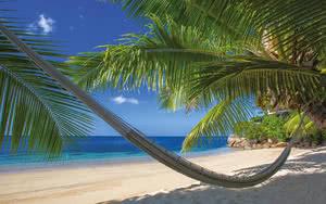 COMBINÉ 2 ILES : PRASLIN + MAHÉ Coco De Mer & Black Parrot Suites + Berjaya Beauvallon Bay 14 nuits